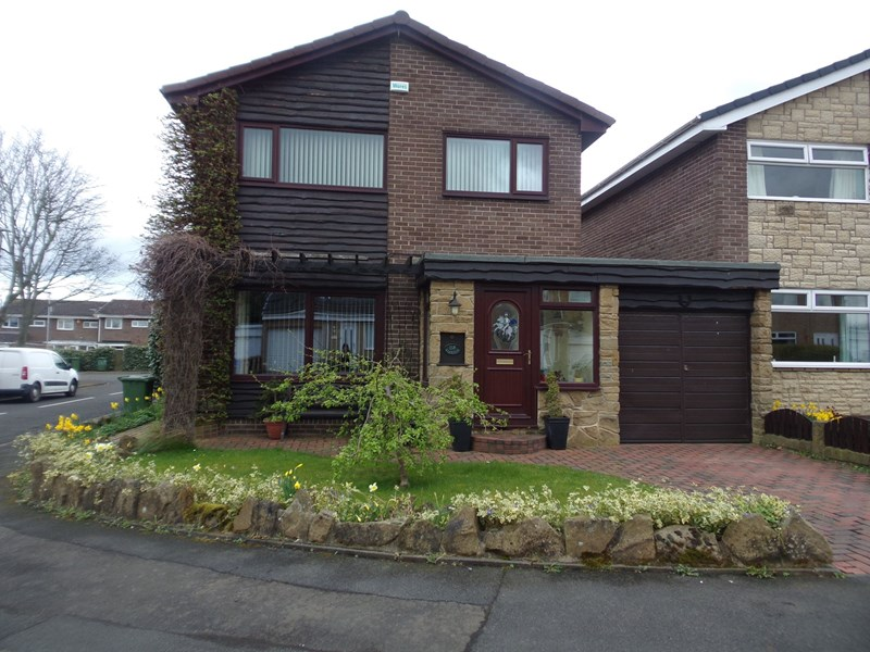 3 Bedrooms Property for sale in Langdale Drive, Cramlington, Northumberland, NE23 8EW
