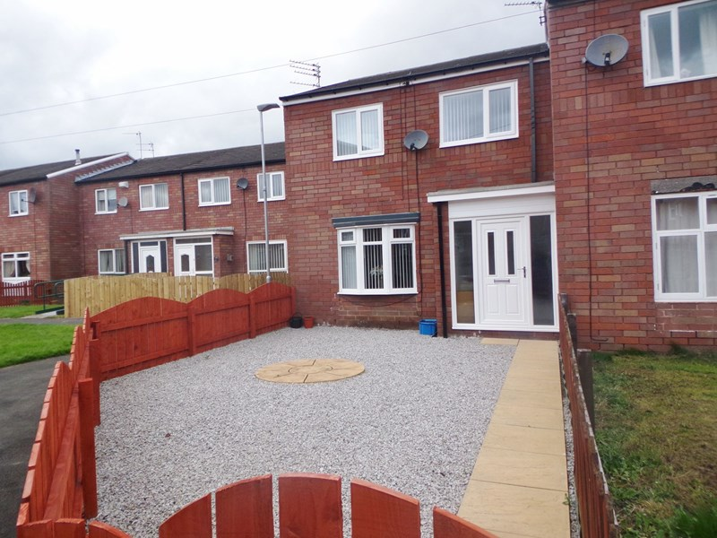 3 Bedrooms Property for sale in Whitsun Grove, Bedlington, Northumberland, NE22 5BD