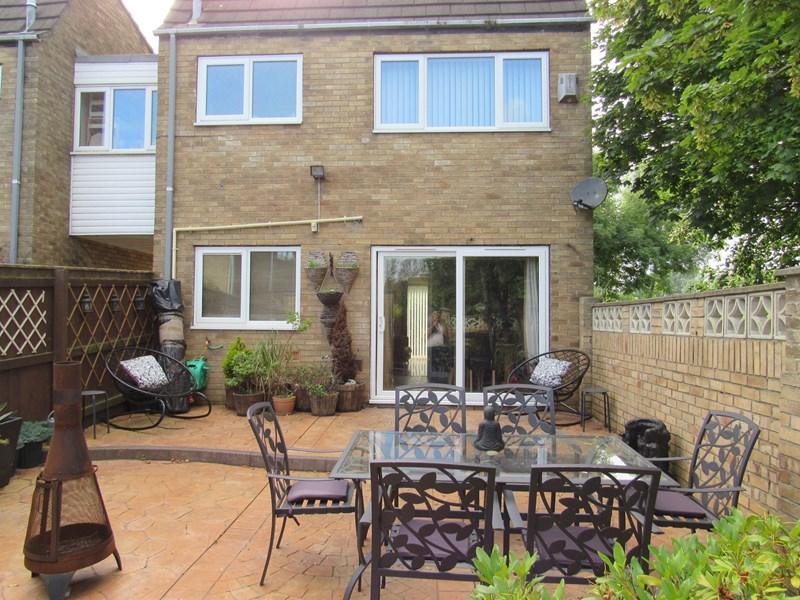 4 Bedrooms Property for sale in Lindean Place, Cramlington, Northumberland, NE23 8EG