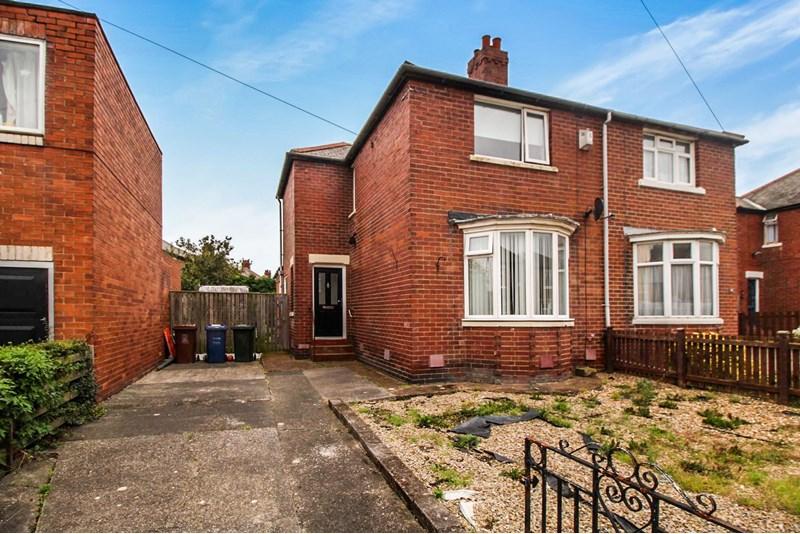 3 Bedrooms Property for sale in Earls Drive, Denton Burn, Newcastle upon Tyne, Tyne & Wear, NE15 7AL