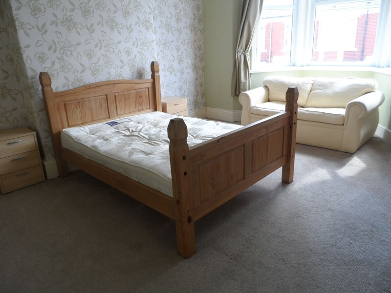 3 Bedrooms Property for sale in Warton Terrace, Heaton, Newcastle upon Tyne, Tyne and Wear, NE6 5DX