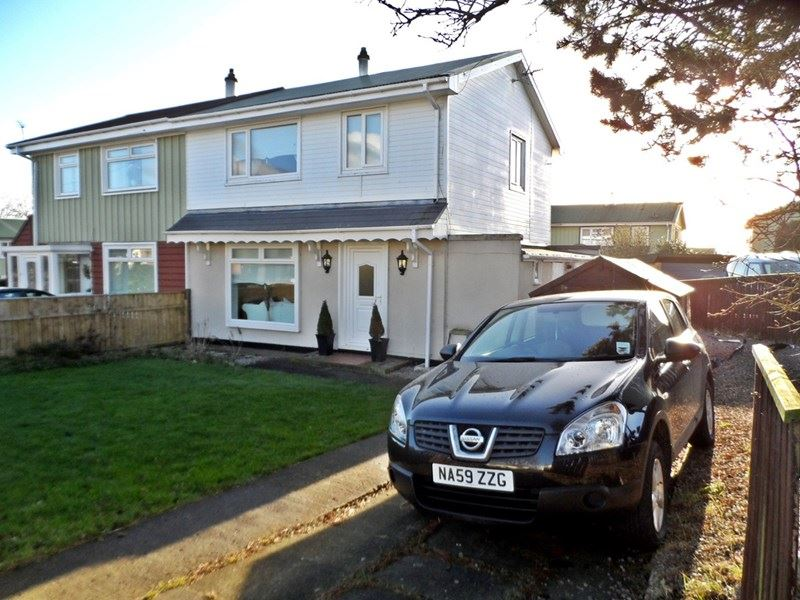 3 Bedrooms Property for sale in Hillsyde Crescent, Thornley, Durham, Durham, DH6 3DW