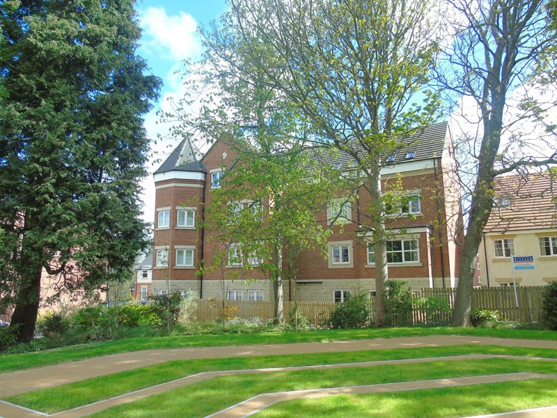 2 Bedrooms Apartment Flat for sale in Loansdean Wood, Morpeth, Northumberland, NE61 2FB