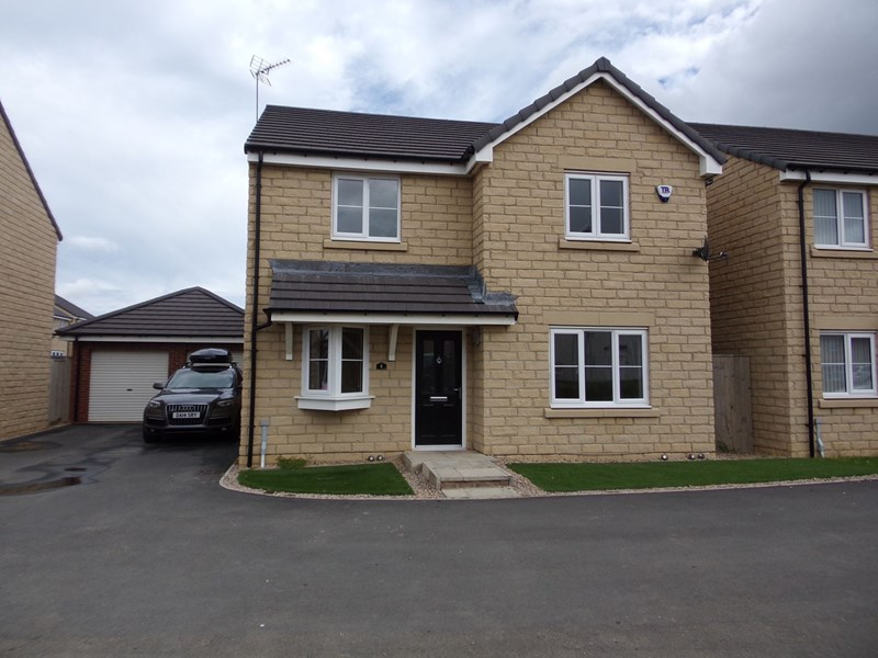 4 Bedrooms Property for sale in Whittle Rise, Chase Farm, Blyth, Northumberland, NE24 4SS
