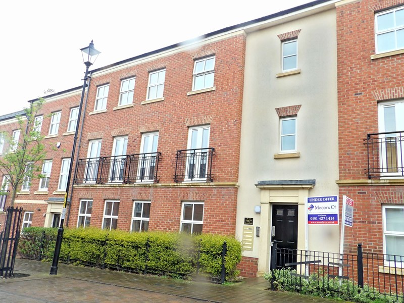2 Bedrooms Apartment Flat for sale in Brass Thill Way, Westoe Crown Village, South Shields, Tyne and Wear, NE33 3NY