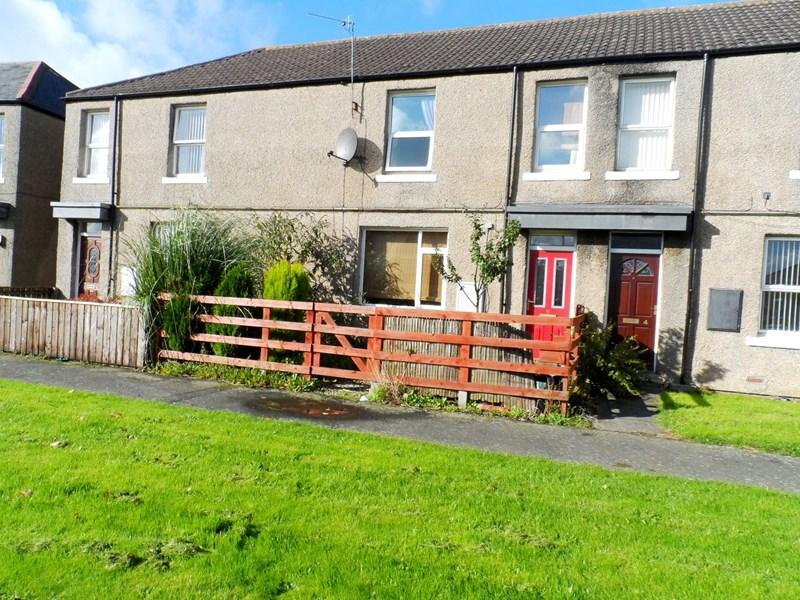 3 Bedrooms Property for sale in The Drive, Usworth, Washington, Tyne & Wear, NE37 2LQ