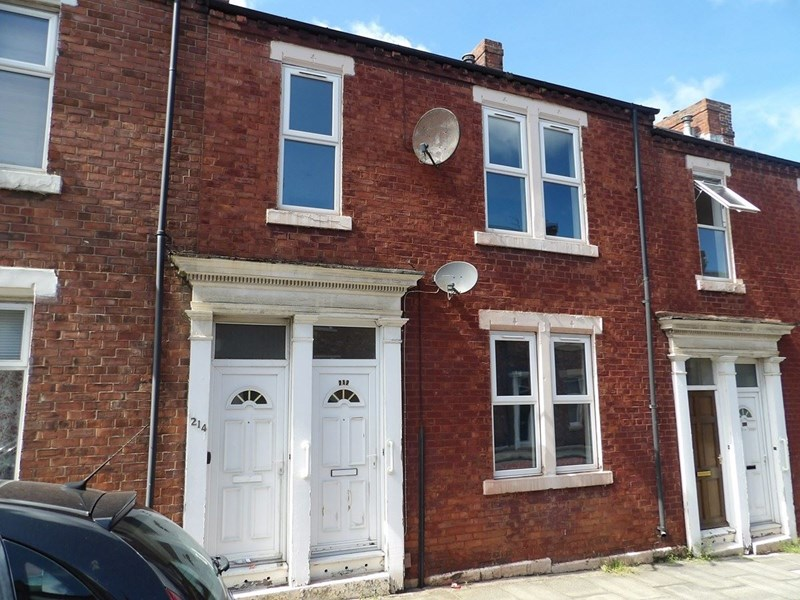 3 Bedrooms Property for sale in Marshall Wallis Road, laygate, South Shields, Tyne and Wear, NE33 5PW