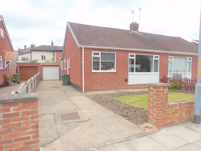 2 Bedrooms Bungalow for sale in Whitton Road, Fairfield , Stockton-on-Tees, Durham, TS19 7DW