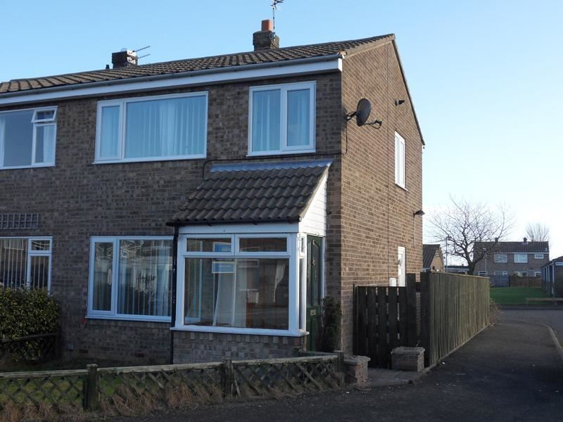 3 Bedrooms Property for sale in Chevington Close, Pegswood, Morpeth, Northumberland, NE61 6YN