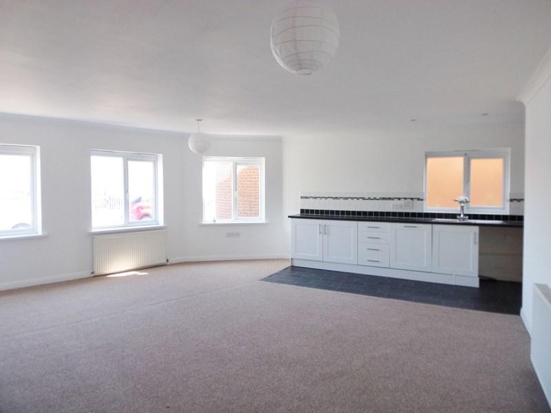 2 Bedrooms Apartment Flat for sale in Cambridge Court, Bishop Auckland, Bishop Auckland, Durham, DL14 9SR