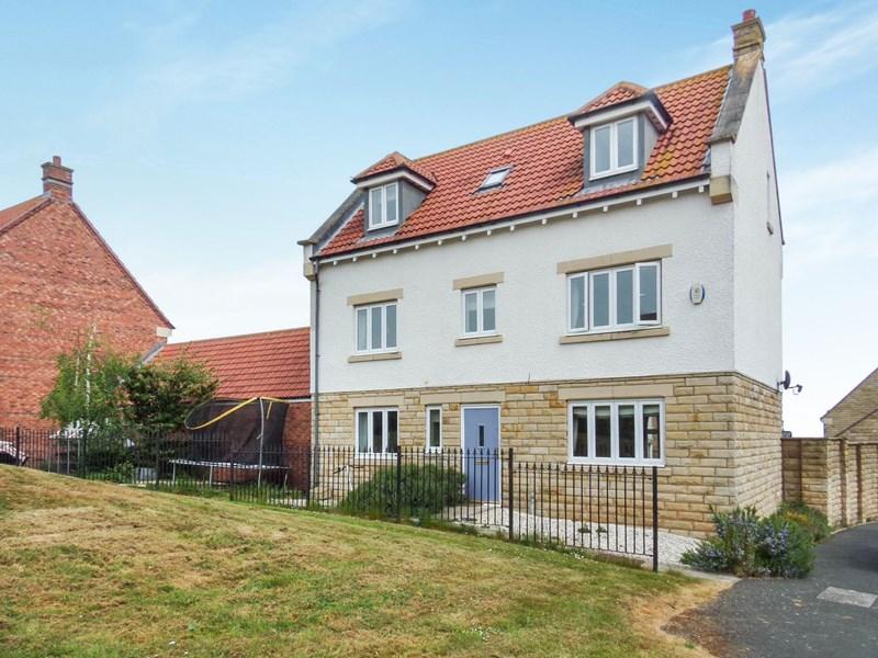 5 Bedrooms Property for sale in East Moor, Longhoughton, Longhoughton, Northumberland, NE66 3JB