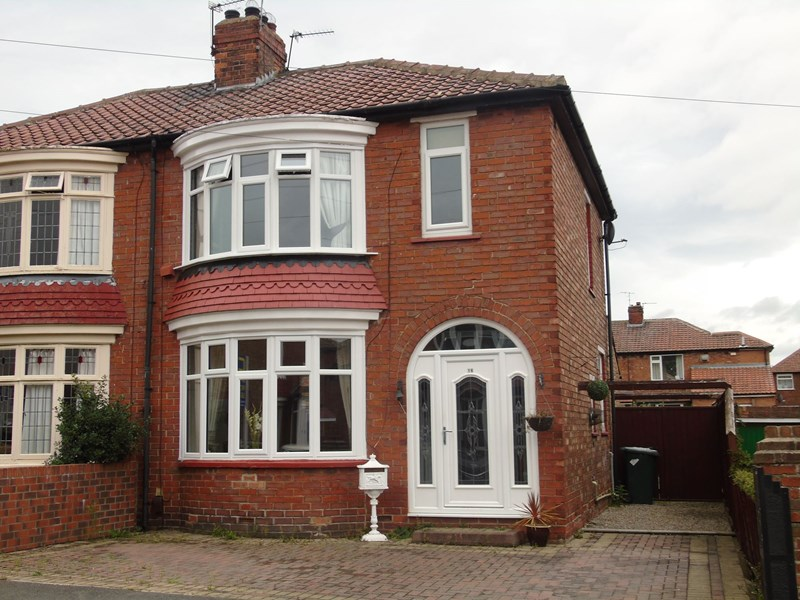 3 Bedrooms Property for sale in Cottersloe Road, Norton, Stockton-on-Tees, Durham, TS20 1JA
