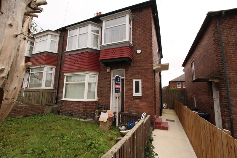 2 Bedrooms Property for sale in Axbridge Gardens, Grainger Park, Newcastle upon Tyne, Tyne and Wear, NE4 8EB