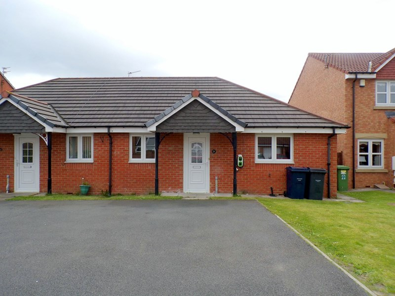2 Bedrooms Bungalow for sale in Lavender Grove, Jarrow, Jarrow, Tyne and Wear, NE32 4BH