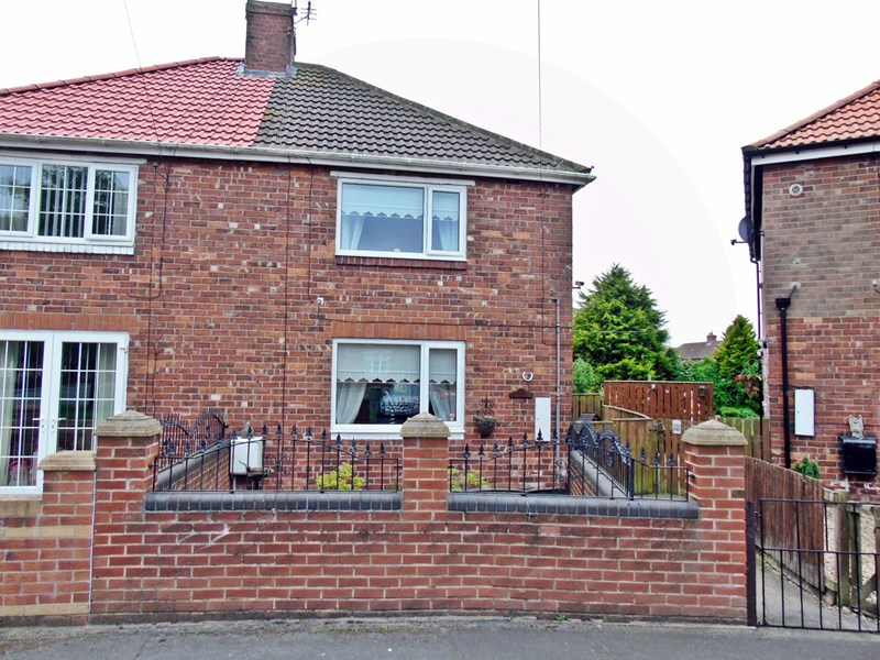 3 Bedrooms Property for sale in Keir Hardie Terrace, Shotton, Shotton, Durham, DH6 2PS