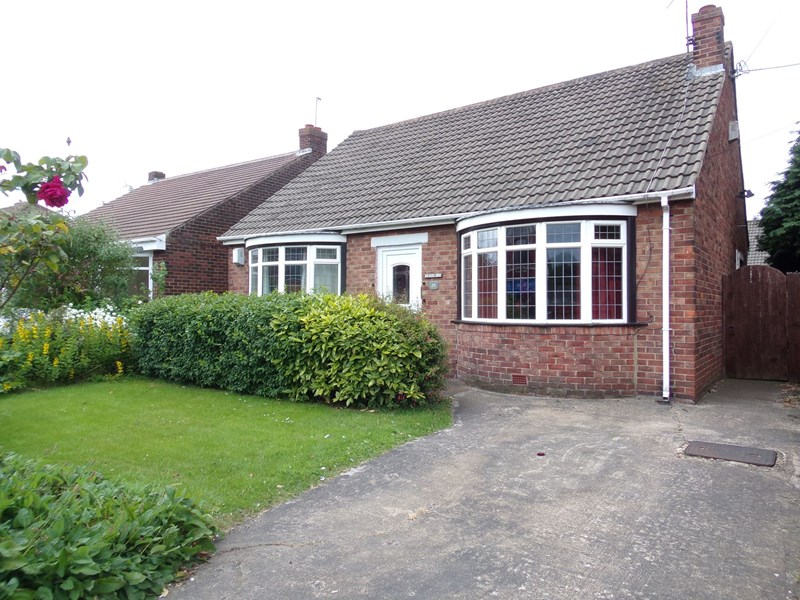3 Bedrooms Bungalow for sale in Heworth Road, Concord, Washington, Tyne and Wear, NE37 2PX