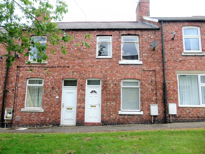 3 Bedrooms Property for sale in Forth Street, Chopwell, Tyne and wear, NE17 7DJ
