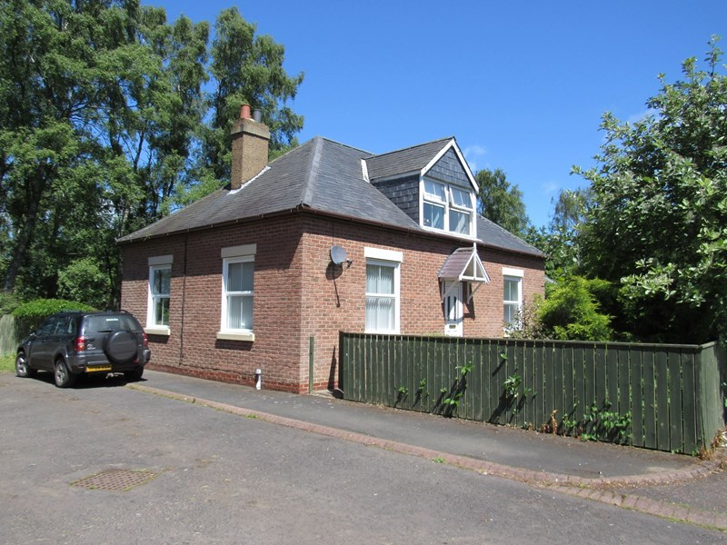 3 Bedrooms Bungalow for sale in Scots gap, Scots Gap, Morpeth, Northumberland, NE61 4EG