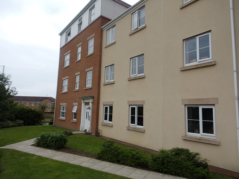 3 Bedrooms Apartment Flat for sale in Horton Park, chase farm, Blyth, Northumberland, NE24 4JD