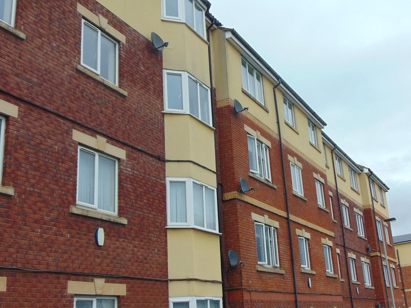 2 Bedrooms Apartment Flat for sale in Tindale Crescent, Bishop Auckland, Durham, DL14 9SR