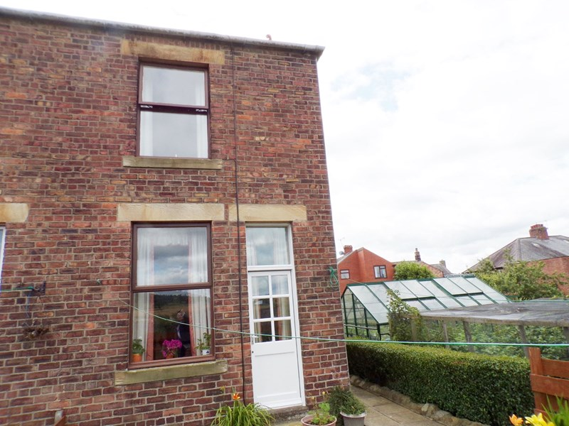 2 Bedrooms Property for sale in South View, Acomb, Hexham, Northumberland, NE46 4PX