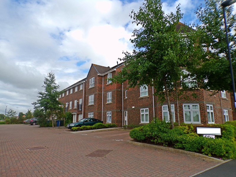 2 Bedrooms Apartment Flat for sale in Cosgrove Court, Benton, Newcastle upon Tyne, Tyne and Wear, NE7 7NW