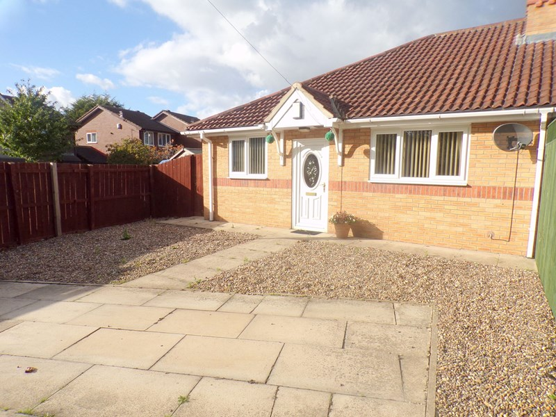2 Bedrooms Bungalow for sale in Coppice Road, Belle Vue, Middlesbrough, Cleveland, TS4 2SP