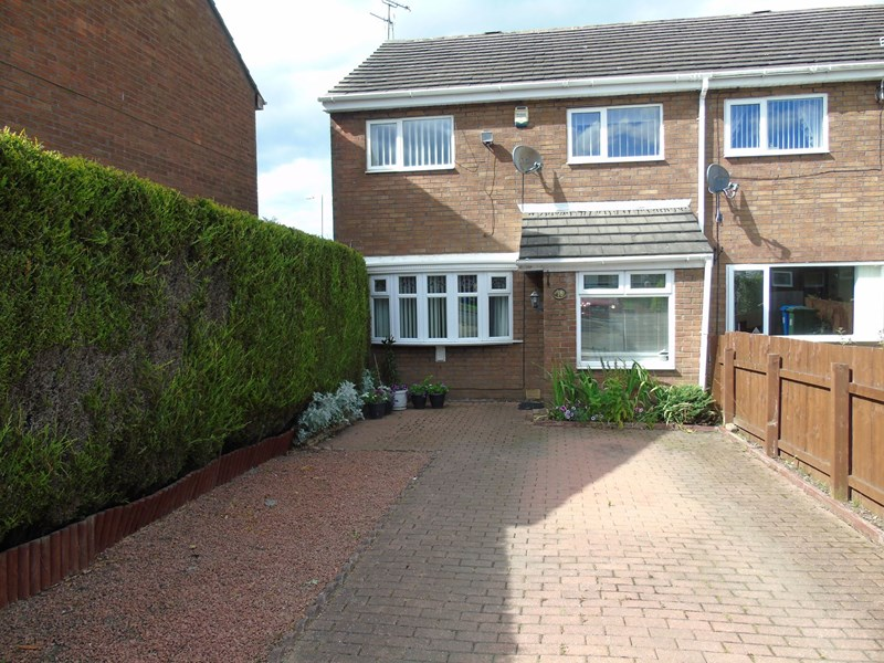 3 Bedrooms Property for sale in Tangmere Close, Cramlington, Northumberland, NE23 2EJ