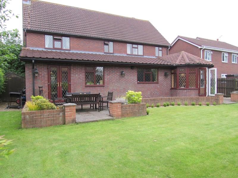 4 Bedrooms Property for sale in Sandford Avenue, Cramlington, Northumberland, NE23 3LN