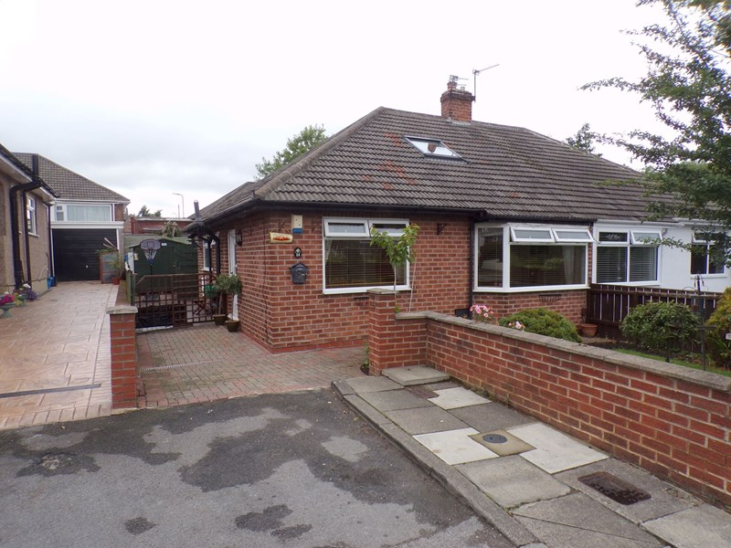 2 Bedrooms Bungalow for sale in Protear Grove, Norton, Stockton-on-Tees, Durham, TS20 1JR