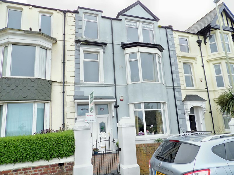 3 Bedrooms Maisonette Flat for sale in Seaview Terrace, south shields, South Shields, Tyne and Wear, NE33 2NW