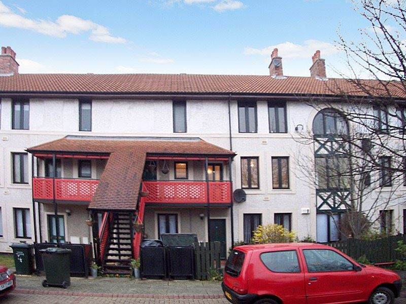 2 Bedrooms Property for sale in Kingsmere Gardens, Newcastle upon Tyne, Tyne and Wear, NE6 3NP