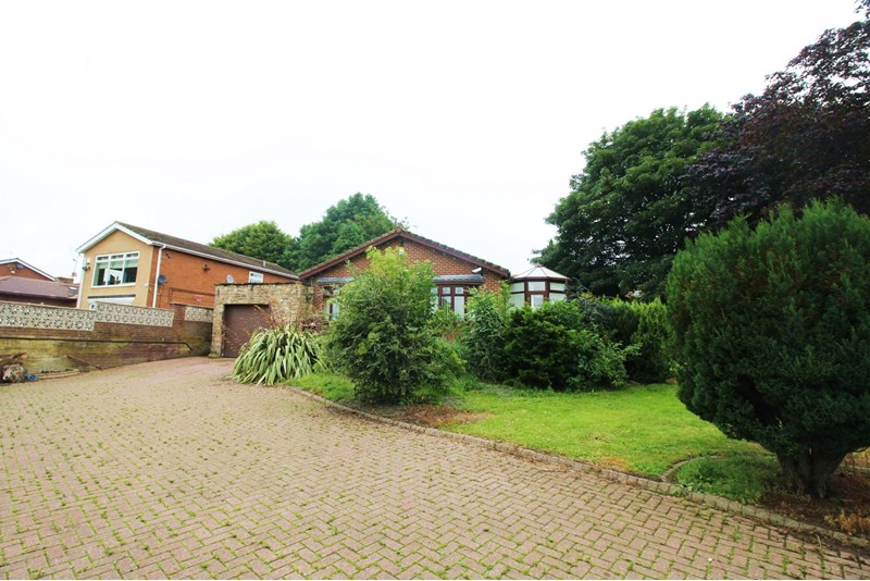 3 Bedrooms Bungalow for sale in Houghton Road, Hetton-le-Hole, Houghton Le Spring, Tyne and Wear, DH5 9PL