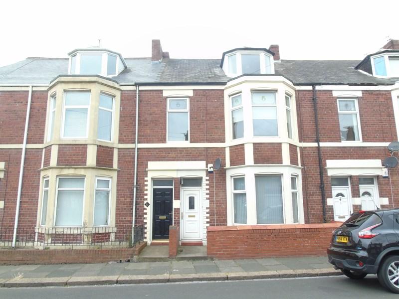 4 Bedrooms Maisonette Flat for sale in Boyd Road, Wallsend, Wallsend, Tyne and Wear, NE28 7SA