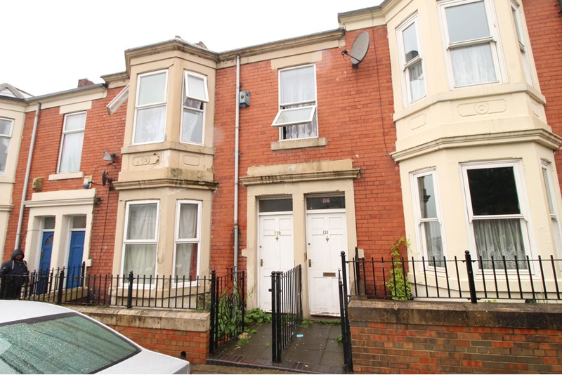 5 Bedrooms Property for sale in Ladykirk Road, Benwell, Newcastle upon Tyne, Tyne and Wear, NE4 8AJ