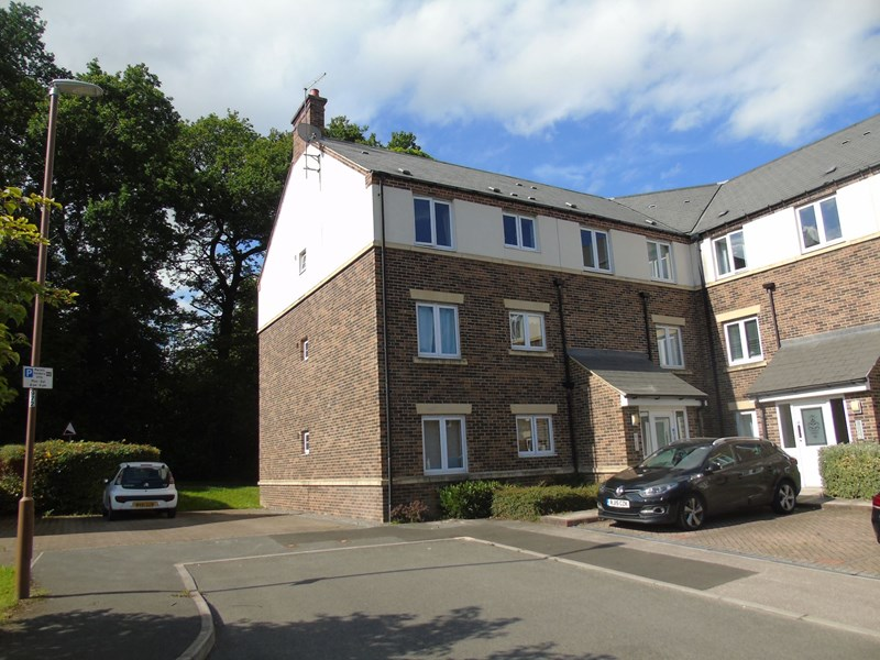 2 Bedrooms Apartment Flat for sale in Boste Crescent, Durham, Durham, Durham, DH1 5US