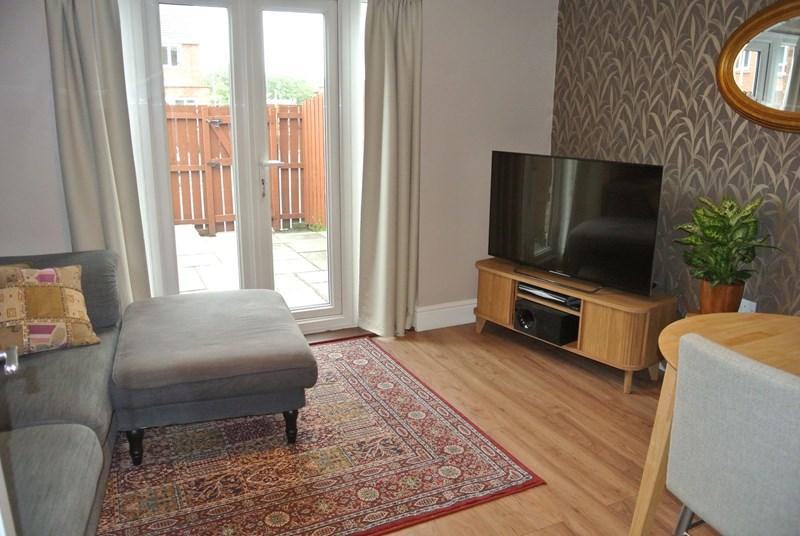 2 Bedrooms Property for sale in Palmer Walk, Jarrow, Jarrow, Tyne & Wear, NE32 3PT