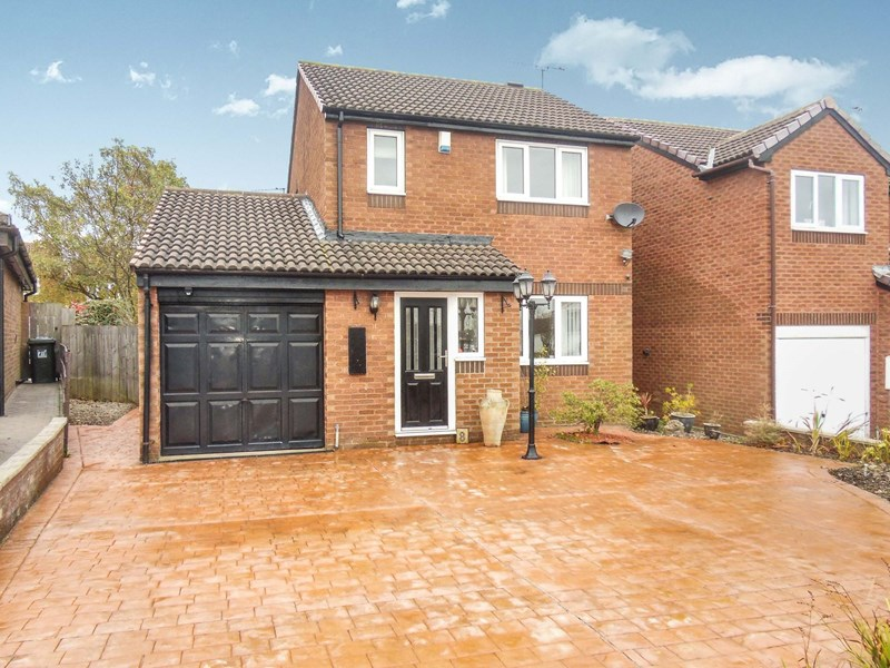 3 Bedrooms Property for sale in Harwood Drive, Killingworth, Newcastle upon Tyne, Tyne and Wear, NE12 6FH