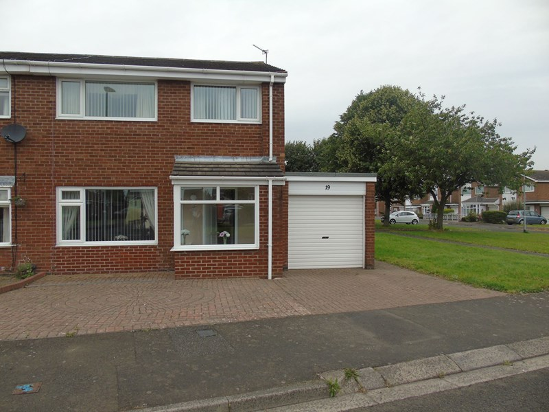 3 Bedrooms Property for sale in Harewood Drive, Bedlington, Northumberland, NE22 5YW