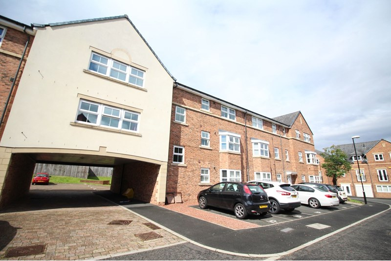 2 Bedrooms Apartment Flat for sale in Lakeside Gardens, Columbia, Washington, Tyne and Wear, NE38 8NB