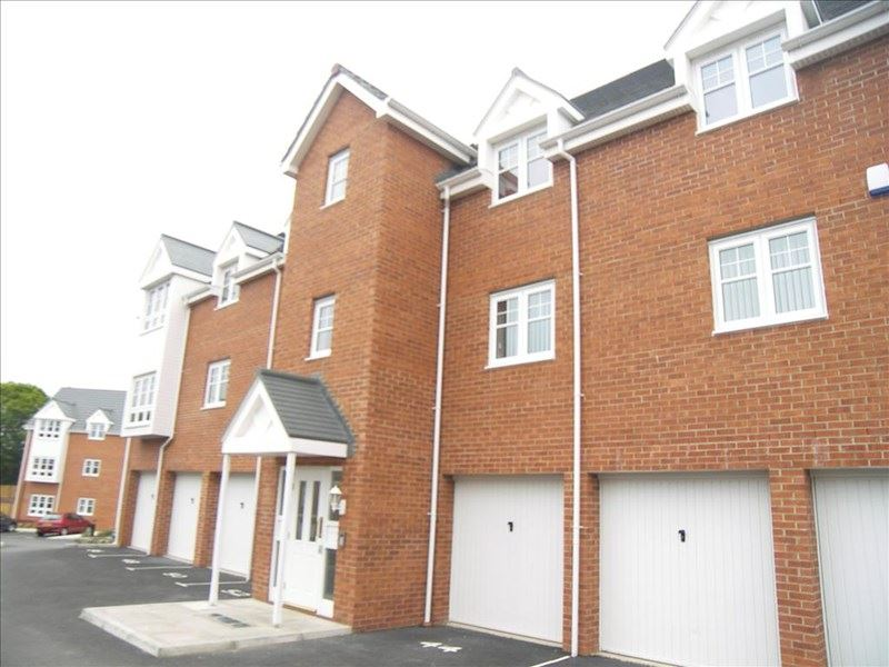 2 Bedrooms Apartment Flat for sale in Lauder Way, Pelaw, Gateshead, Tyne and Wear, NE10 0BG