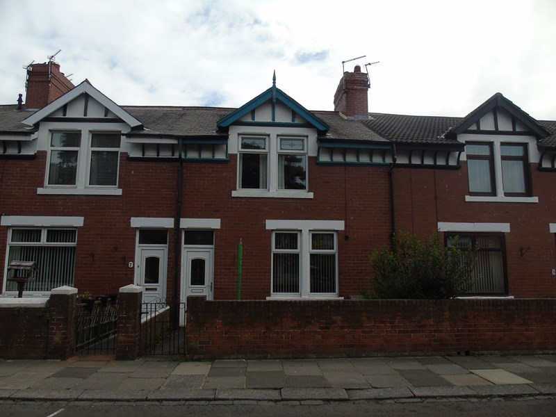 3 Bedrooms Property for sale in Wansbeck Road, Ashington, Northumberland, NE63 8HZ