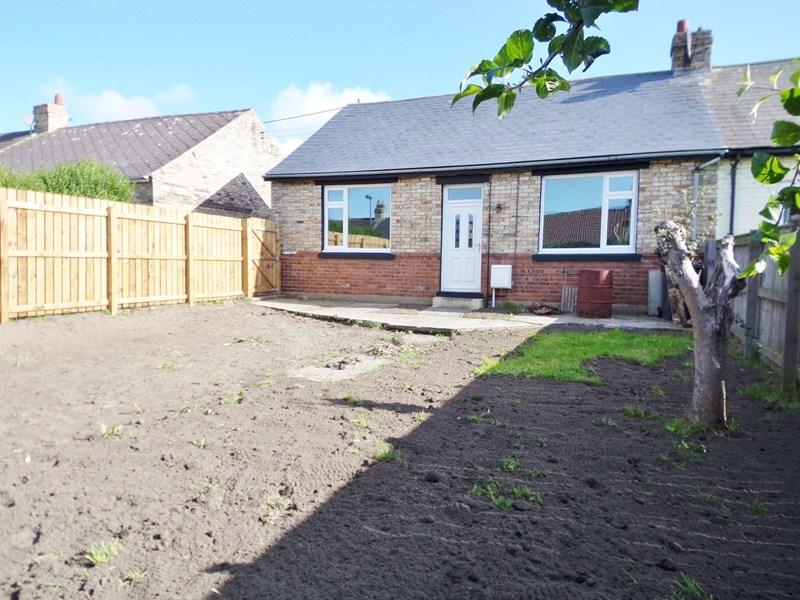 3 Bedrooms Bungalow for sale in Grange Street, Consett, Consett, Durham, DH8 7AG