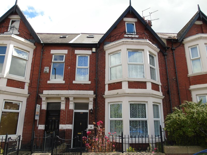 5 Bedrooms Property for sale in Wingrove Road, Fenham, Newcastle upon Tyne, Tyne and Wear, NE4 9BT