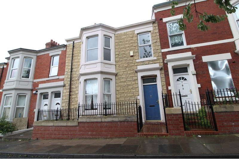 4 Bedrooms Property for sale in Atkinson Terrace, Benwell, Newcastle upon Tyne, Tyne and Wear, NE4 8QL