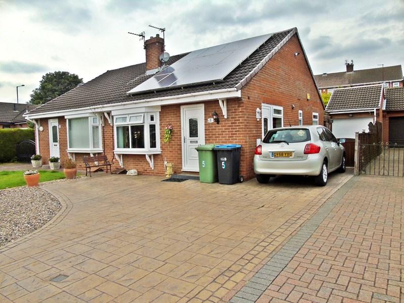 2 Bedrooms Bungalow for sale in Westgarth Grove, Shotton, Durham, Durham, DH6 2YB
