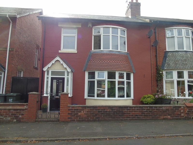 3 Bedrooms Property for sale in South Preston Grove, North Shields, Tyne and Wear, NE29 0HZ