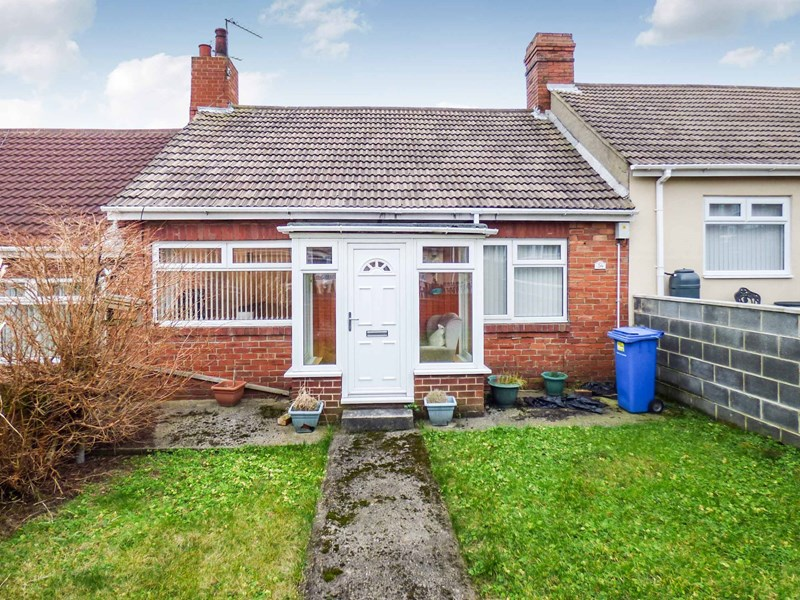 2 Bedrooms Bungalow for sale in Park Avenue, Blackhall Colliery, Hartlepool, Durham, TS27 4LD