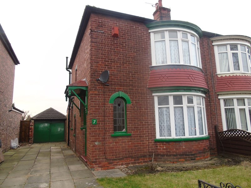 2 Bedrooms Property for sale in Lexden Avenue, Acklam, Middlesbrough, Cleveland, TS5 8AP
