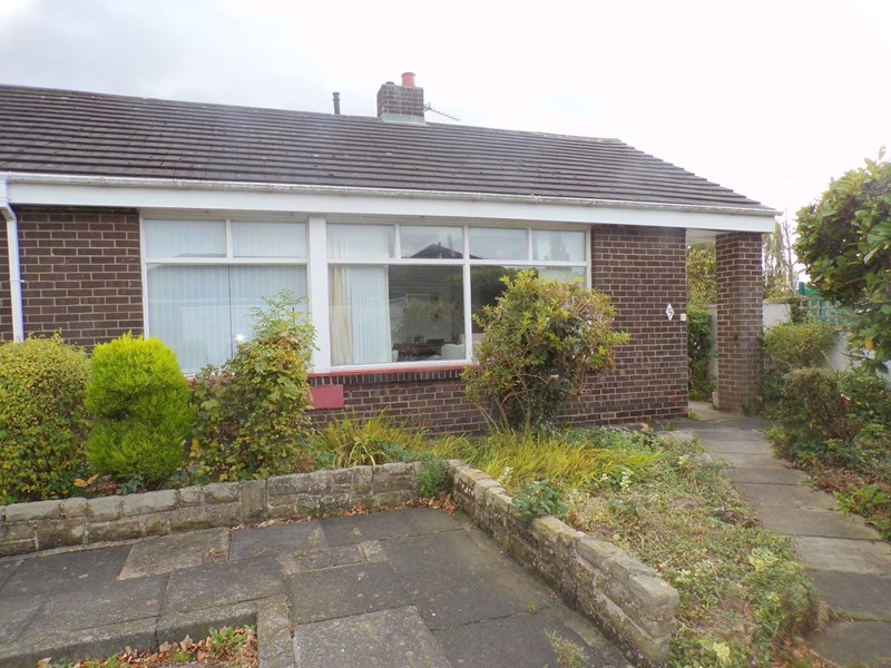 2 Bedrooms Bungalow for sale in Aldbrough Close, Fairfield , Stockton-on-Tees, Cleveland, TS19 7EU